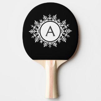 Verziertes weißes Schneeflocke-Monogramm auf Tischtennis Schläger