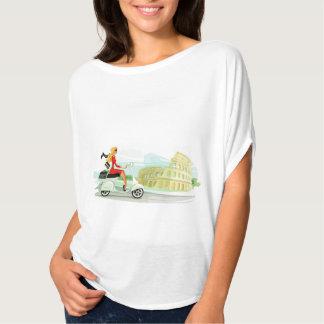 Vespa-Mädchen in Rom T-Shirt