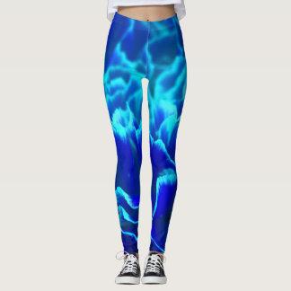 Vibrierende blaue und aquamarine leggings