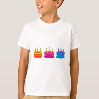 Vibrierende Geburtstags-Kuchen T-Shirt