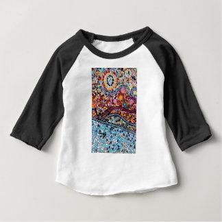 Vibrierende Mosaik-Wand-Kunst Baby T-shirt