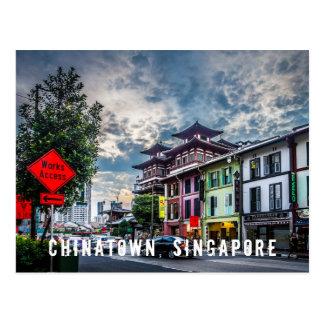 Vibrierende und bunte Postkarte Singapurs