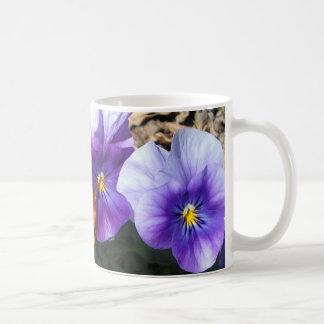 Vibrierendes Stiefmütterchen Kaffeetasse