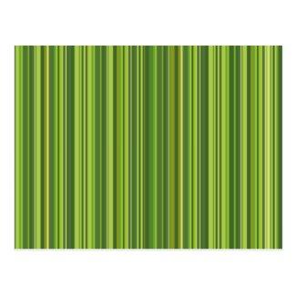 Viele bunte Streifen im grünen Muster Postkarte