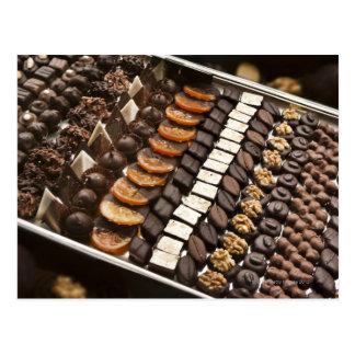 Vielzahl der handwerklichen Schokoladen-Pralinen Postkarten