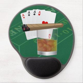 Vier Asse, ein Getränk und eine Zigarre Gel Mousepad