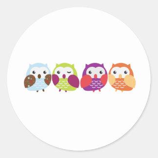 Vier bunte Eulen Runde Sticker