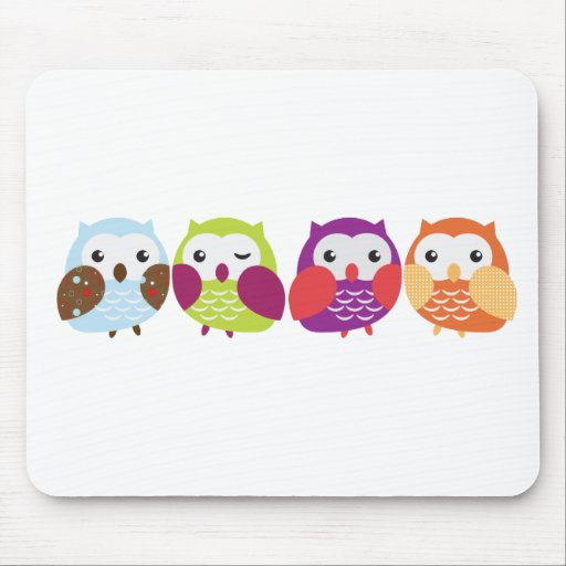 Vier bunte Eulen Mousepads