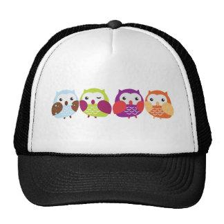 Vier bunte Eulen Mütze