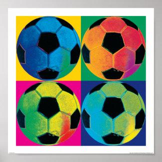 Vier Fußbälle in den verschiedenen Farben Poster