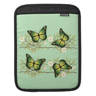 Vier grüne Schmetterlinge iPad Sleeve
