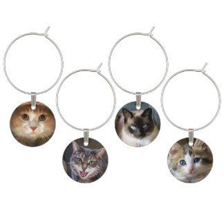 Vier Katzen-und Kätzchen-Gesichter Weinglas Anhänger