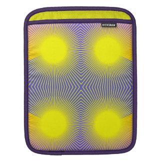 Vier Sonnen - lila und gelbes abstraktes Sleeve Für iPads