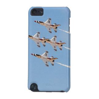 Vier Thunderbirds F-16 fliegen in nahe Bildung iPod Touch 5G Hülle