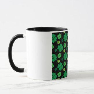 Vierblättriges Kleeblatt Glück St. Patricks Tages Tasse