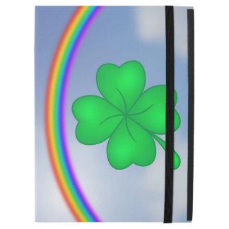 Vierblättriges Kleeblatt mit Regenbogen