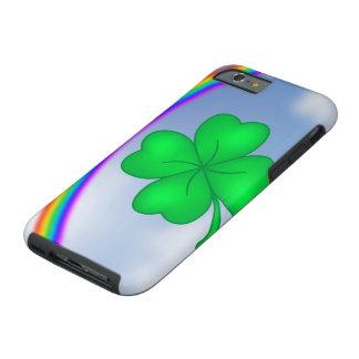 Vierblättriges Kleeblatt mit Regenbogen Tough iPhone 6 Hülle