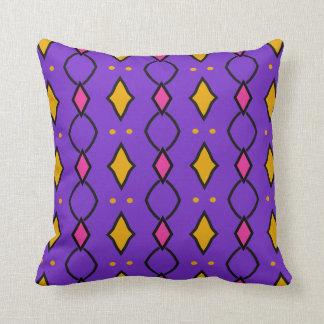 Viereckiger, gefärbter, violetter kissen