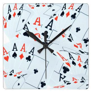 Viererkabel Aces Poker-Karten-Muster, Quadratische Wanduhr