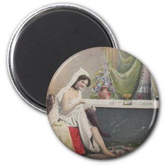 Viktorianische badende Frau Runder Magnet 5,7 Cm