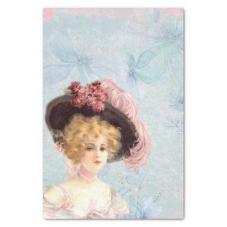 Viktorianische Dame in mit Federn versehenem Seidenpapier