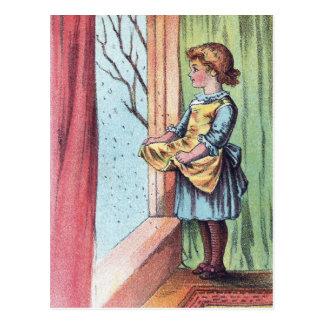 Viktorianisches Mädchen-aufpassende Schneefälle Postkarte