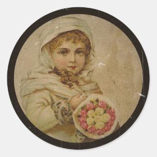 Viktorianisches Mädchen mit WeihnachtsRosen Runder Aufkleber