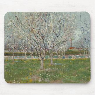 Vincent van Gogh - Obstgarten in der Blüte Mousepads
