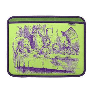 Vintage Alice im Wunderland MacBook Sleeve