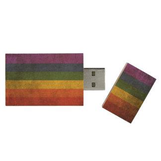 Vintage beunruhigte Gay Pride-Regenbogen-Flagge Holz USB Stick