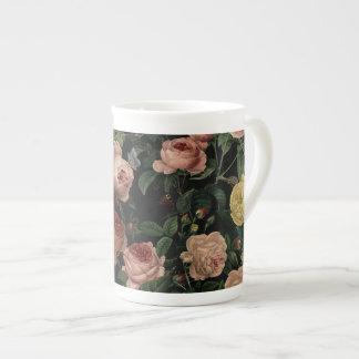 Vintage Blumen-Rosen und Iris-Muster-Dunkle Träume Porzellantasse