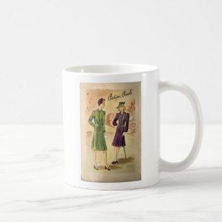 Vintage Damen-klassische weiße Tasse