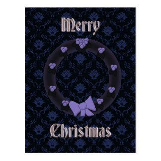Vintage dunkle Weihnachtswreathpostkarte in Lila Postkarte