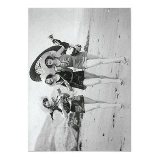 Vintage Freundinnen, die auf dem Strand singen 12,7 X 17,8 Cm Einladungskarte