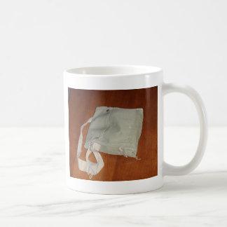 Vintage Gasmaske-Tasche Kaffeetasse