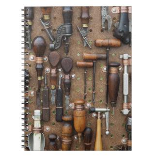 Vintage Holzbearbeitungs- und Spiral Notizblock