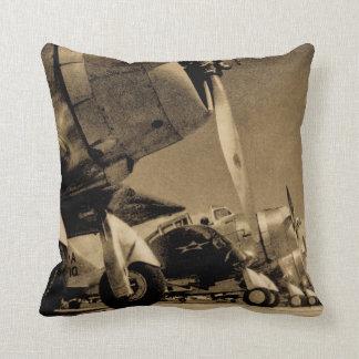 Vintage Kämpfer-Flugzeuge Douglas SBD Dauntlesses Zierkissen