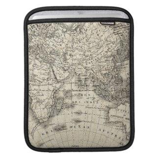 Vintage Karte von Europa und von Asien Sleeve Für iPads