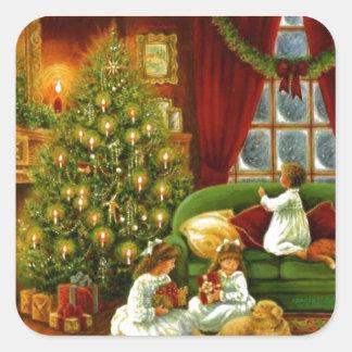 Vintage Kinder, die Weihnachtsgeschenke öffnen Quadratischer Aufkleber