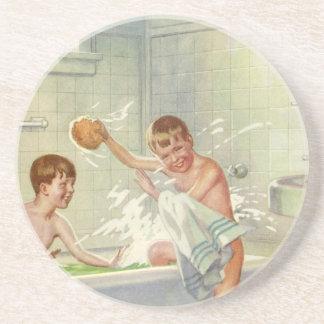 Vintage Kinder, Jungen-Brüder, die in der Wanne Getränkeuntersetzer