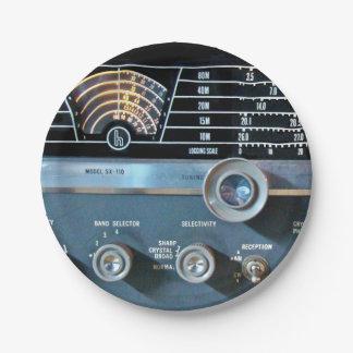 Vintage kurze Wellen-Radiogerät Pappteller