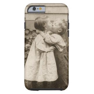 Vintage Liebe Romance, küssende Kinder, erster Tough iPhone 6 Hülle