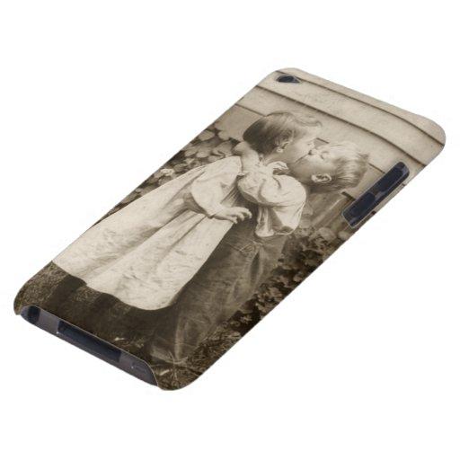 Vintage Liebe Romance, küssende Kinder, erster Kus Case-Mate iPod Touch Hülle