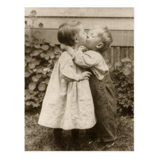 Vintage Liebe Romance, küssende Kinder, erster Postkarten