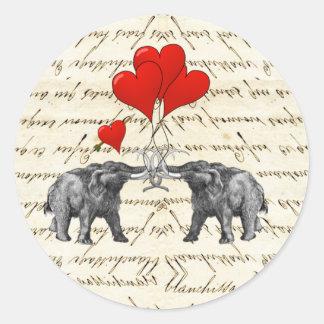 Vintage Mammuts und Herzen Runder Aufkleber