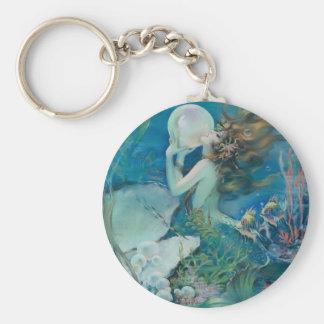 Vintage Meerjungfrau, die Perle hält Schlüsselanhänger