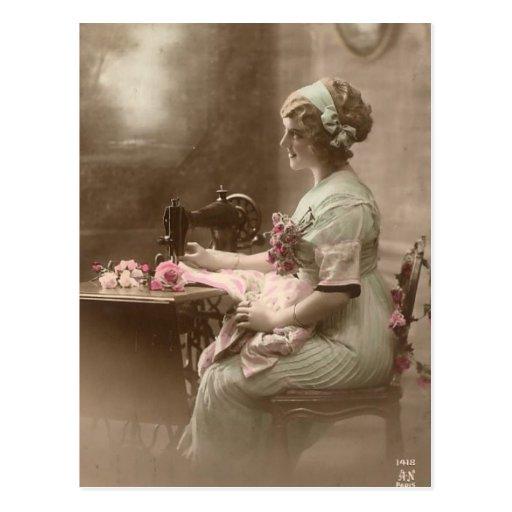Vintage nähende Postkarte