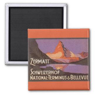 Vintage Reise, Matterhorn-Berg in der Schweiz Quadratischer Magnet