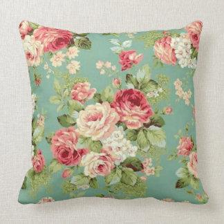 Vintage rosa Rosen auf grünem Tapeten-Druck Kissen