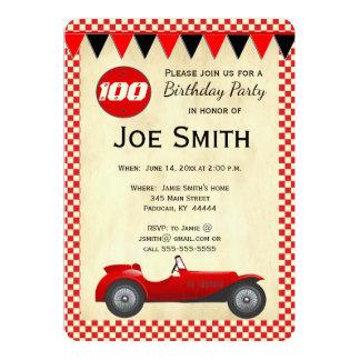 Vintage rote Rennenauto-Flaggenkarte - 100. Karte